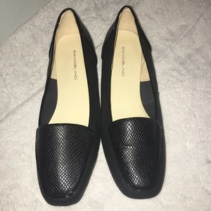 NEW Bandolino Black Loafer Flat Shoes Slip on 8.5